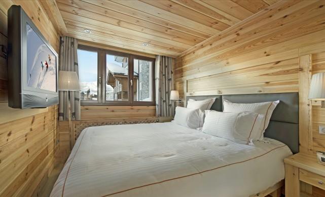 France:Courchevel:ApartmentPearl_ApartmentPatrice:bedroom0.jpg