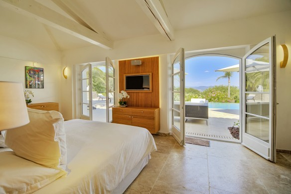 France:Coted'Azur:St.Tropez:VillaBella_VillaBastian:bedroom7.jpg