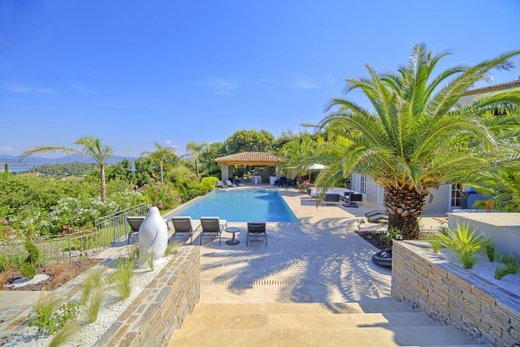 France:Coted'Azur:St.Tropez:VillaBella_VillaBastian:pool890.jpg