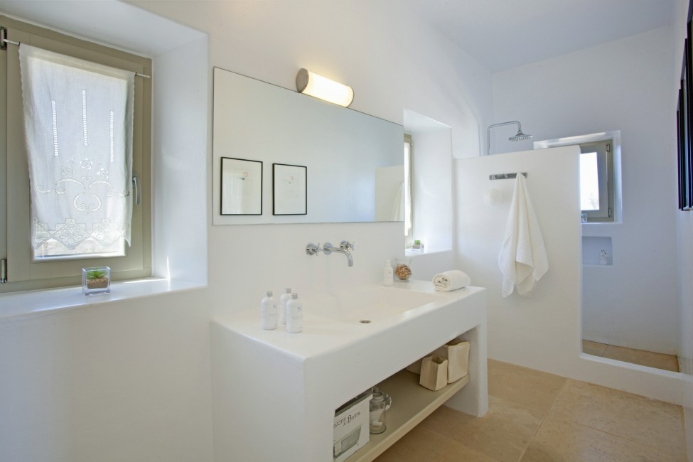 Villa Elina Pool - Antiparos, Greece:bathroom1.JPG