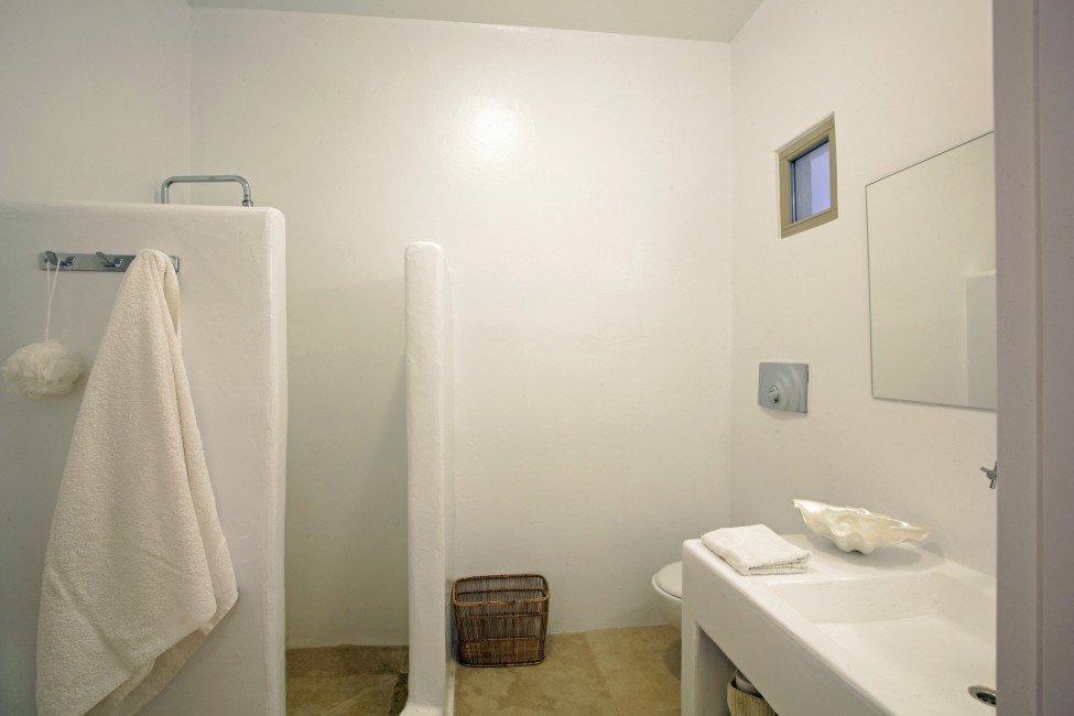 Villa Elina Pool - Antiparos, Greece:bathroom2.JPG