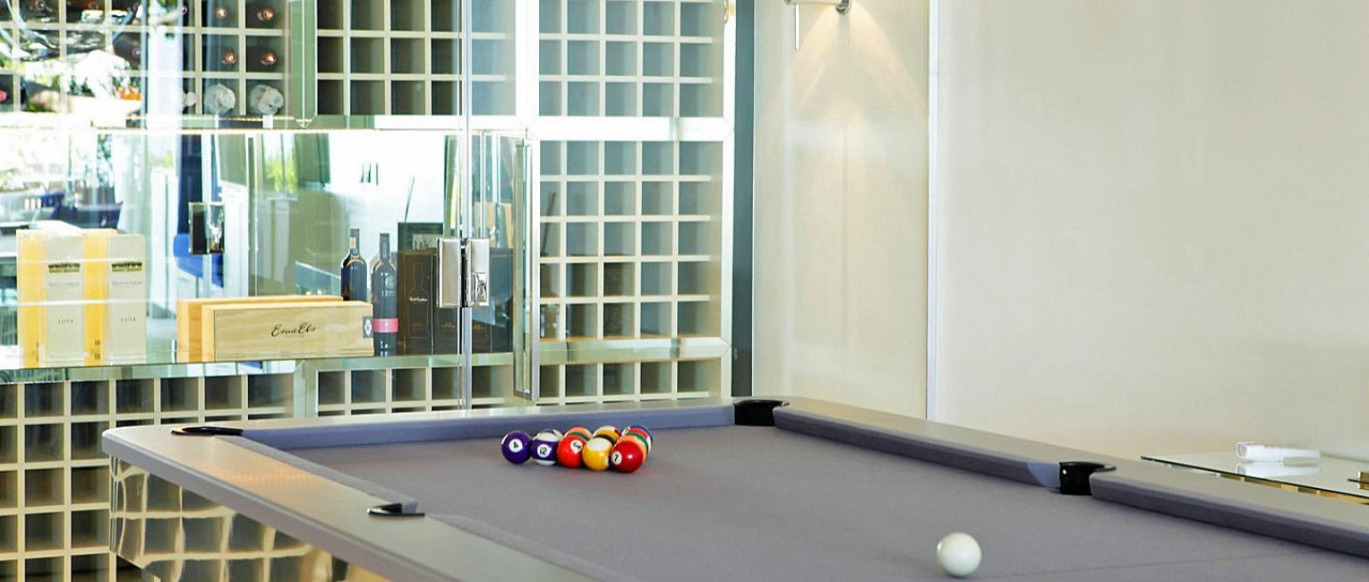 SouthAfrica:CapeTown:ApartmentPearl_ApartmentAry:billiards.jpg