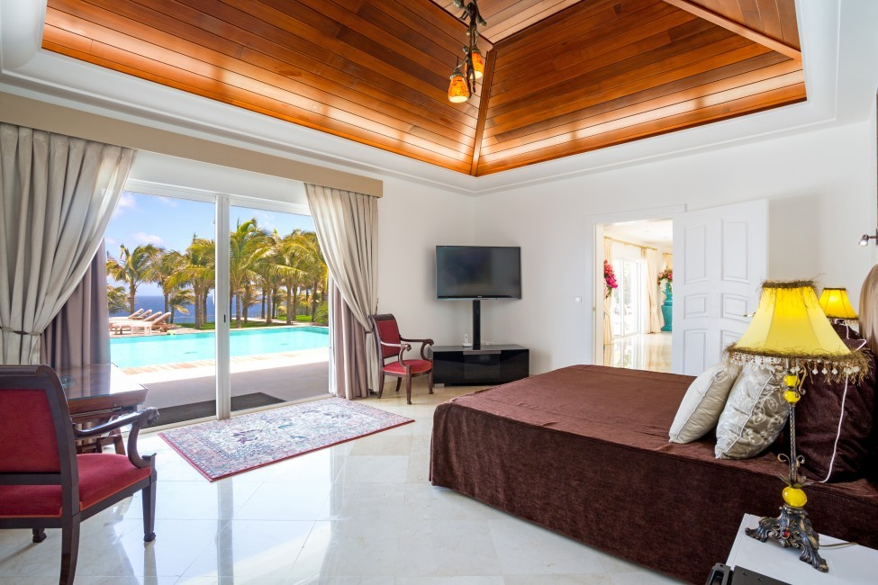 St. Barths:GoodNews_VillaGabbie:bedroom02.jpg
