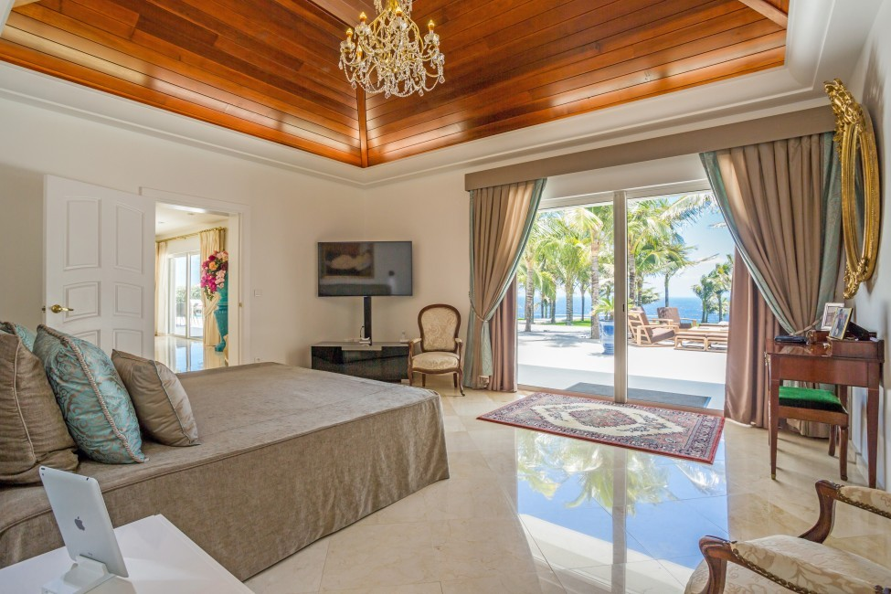 St. Barths:GoodNews_VillaGabbie:bedroom01.jpg