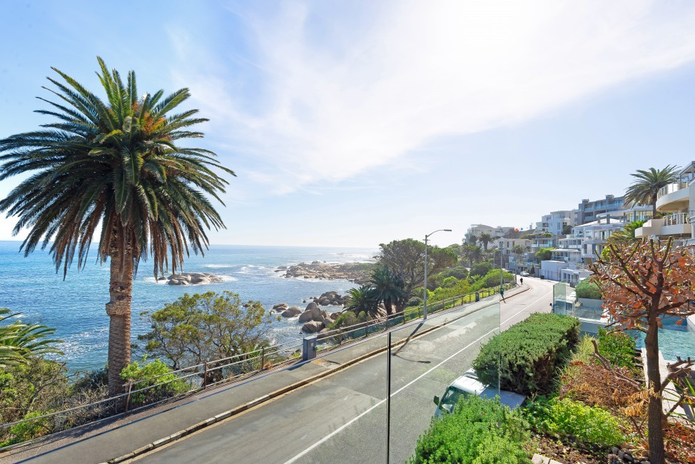 SouthAfrica:CapeTown:Boulder_ApartmentBryce:view.jpg