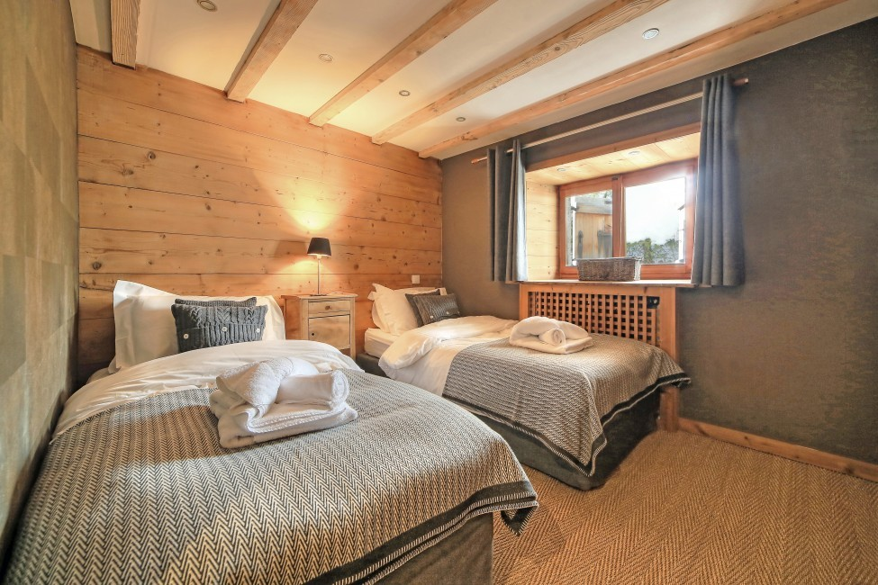 France:Chamonix:ChaletTreeLodge_ChaletLucienne:bedroom79.jpg