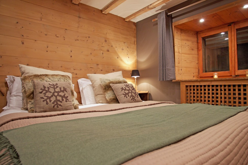 France:Chamonix:ChaletTreeLodge_ChaletLucienne:bedroom543.jpg