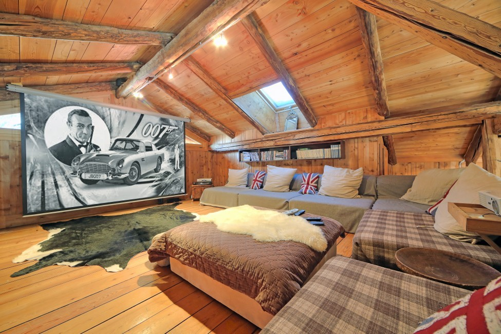 France:Chamonix:ChaletTreeLodge_ChaletLucienne:homecinema897.jpg