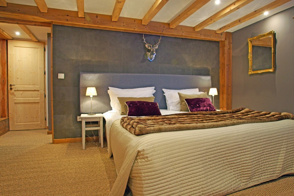 France:Chamonix:ChaletTreeLodge_ChaletLucienne:bedroom527.jpg