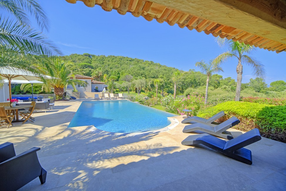 France:Coted'Azur:St.Tropez:VillaBella_VillaBastian:pool35.jpg