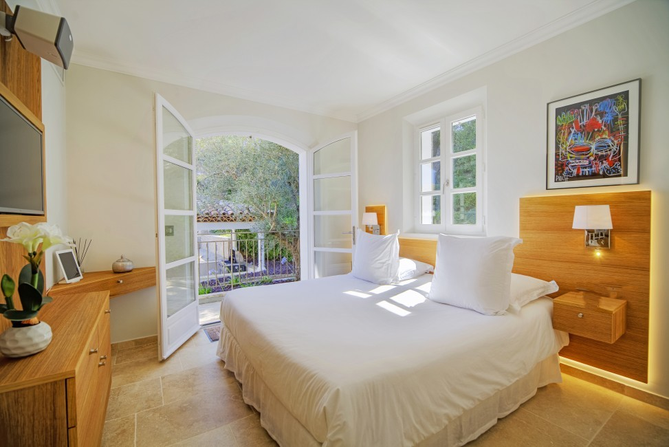 France:Coted'Azur:St.Tropez:VillaBella_VillaBastian:bedroom12.jpg