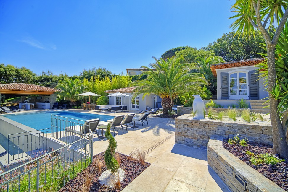 France:Coted'Azur:St.Tropez:VillaBella_VillaBastian:pool34.jpg