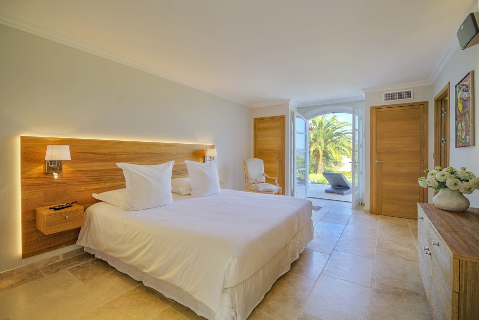 France:Coted'Azur:St.Tropez:VillaBella_VillaBastian:bedroom23.jpg