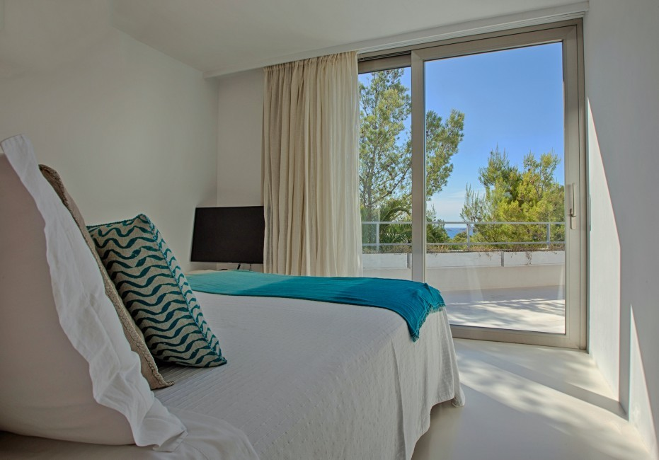 Spain:Ibiza:CanCalaMoli_VillaMagali:bedroom8.jpg