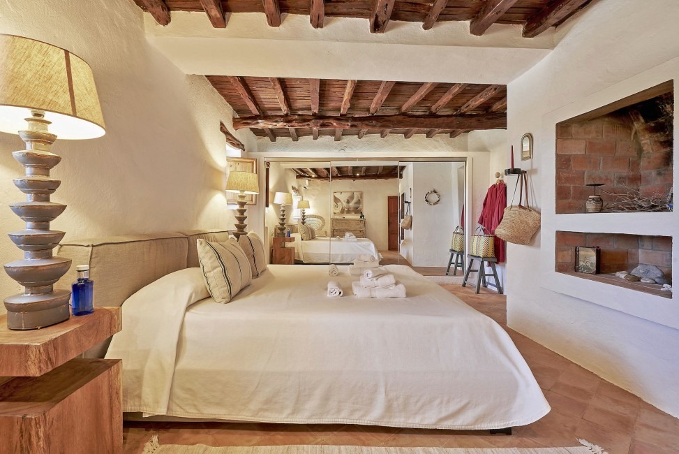 Spain:Ibiza:CanPaola_VillaPalmira:bedroom46.jpg