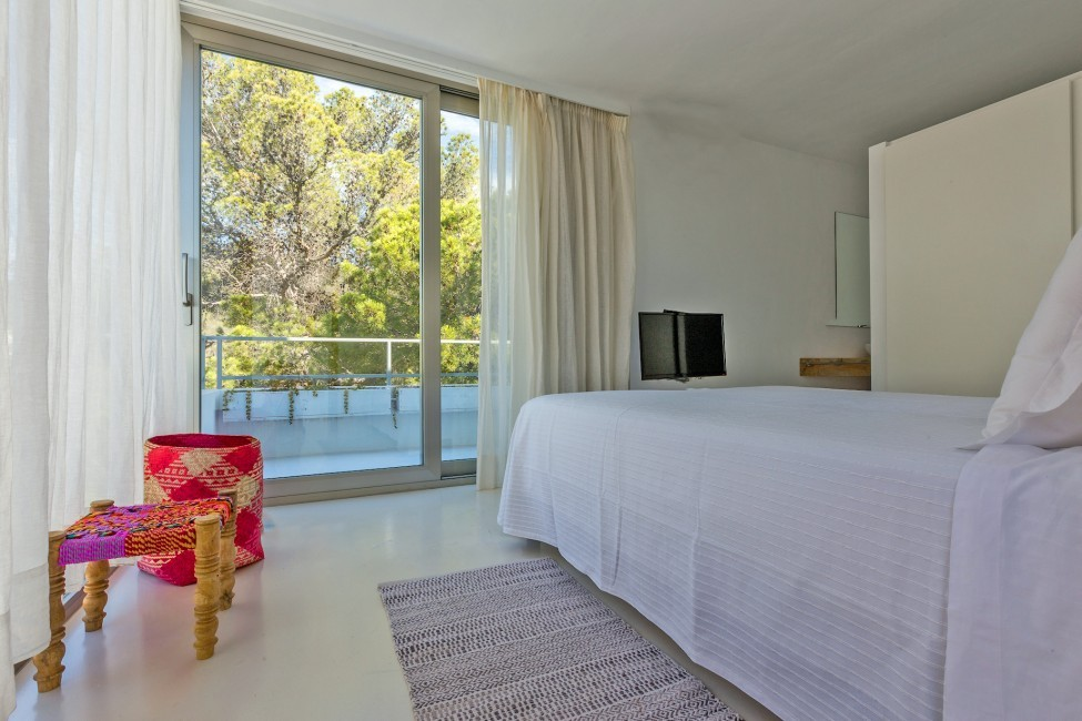 Spain:Ibiza:CanCalaMoli_VillaMagali:bedroom5.jpg