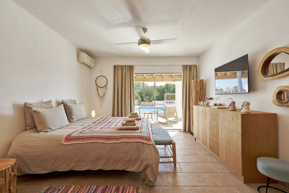 Spain:Ibiza:CasaRocco_VillaRio:bedroom33.jpg