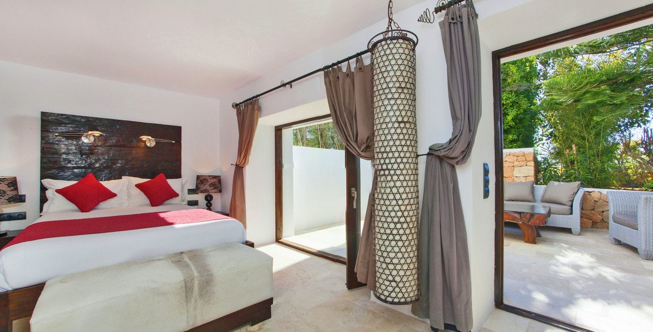 Spain:Ibiza:VillaReyna_VillaRoxana:bedroom51.jpg