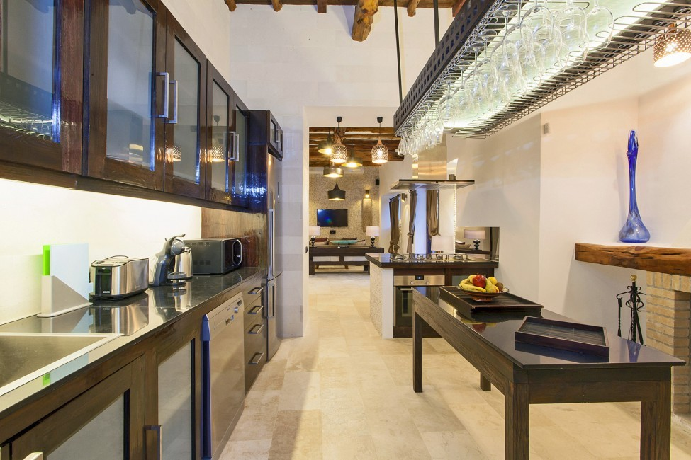 Spain:Ibiza:VillaReyna_VillaRoxana:kitchen29.jpg