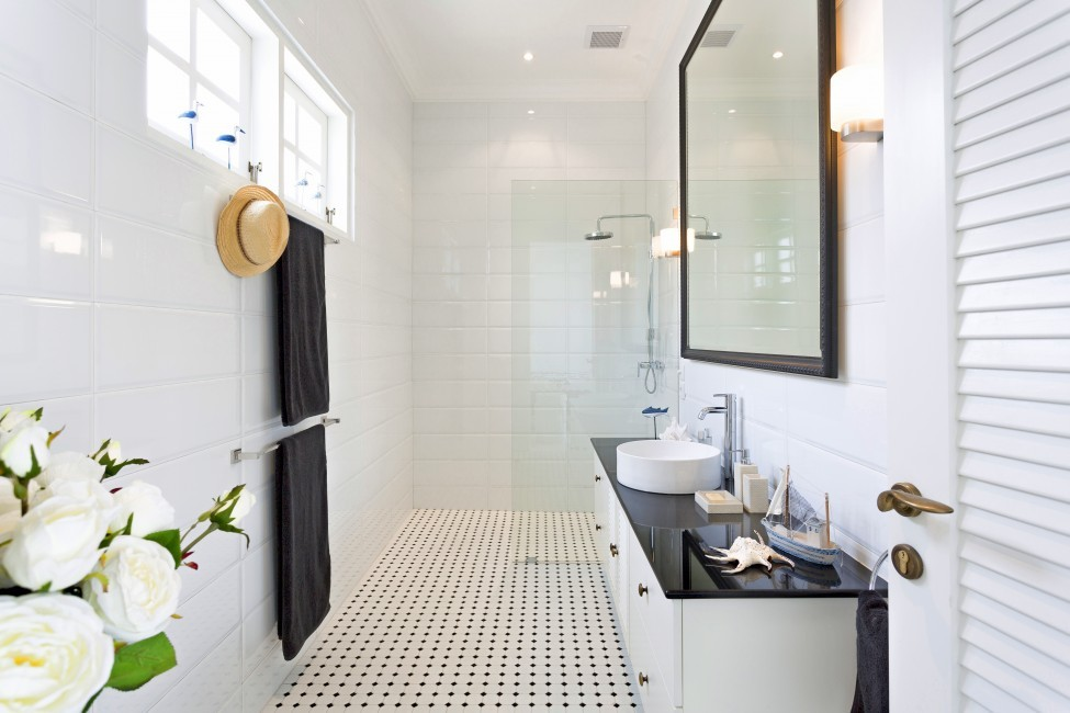 Indonesia:Bali:BeachHouse_VillaFloral:bathroom5.jpg